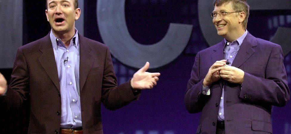 Jeff Bezos și Bill Gates se bat pe Steaua. Iar Țiriac se uită